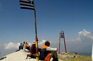 Впечатляваща гледка. На хоризонта Тесалия, планината Олимп, планината Пелион, делтата на река Пинос.
