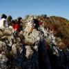Тръгваме по скалните гребени ...