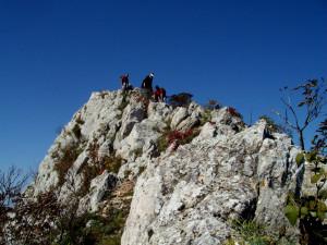 ... каменист склон и скални пасажи ...