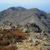Гледка на юг ... скалисти стръмни върхове ...