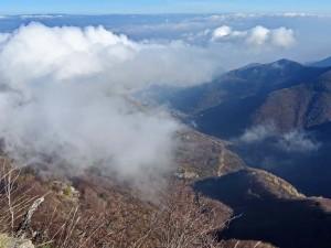 Понякога планината е драпирани с облаци, пълни с тайнственост ...