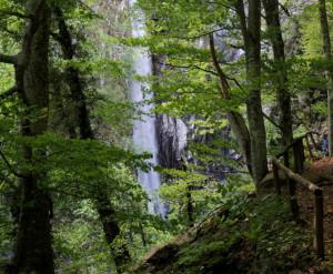 Водопадът Ливадитис ...